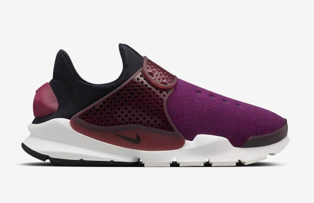 nikelab-sock-dart-fleece-01.jpg