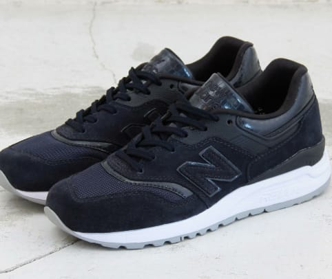 new-balance-beauty-and-youth-997-5-runner-01.jpg
