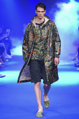 white-mountaineering-spring-summer-2017-collection-01.jpg