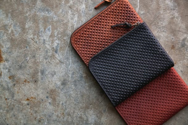 tanner-good-universal-zip-wallet-perforated-leather-01.jpg