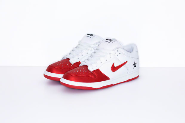 huge selection of ce476 45085 Nike SB Dunk Low x Supreme Fall/Winter 2019 Release Info ...