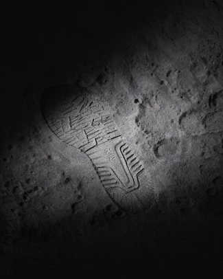 size-asics-far-side-of-the-moon-pack-06