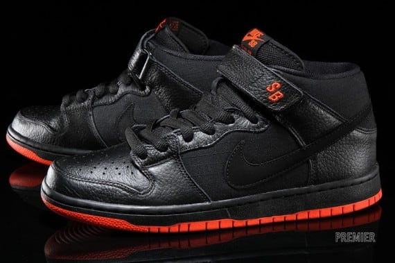 Nike Sb Dunk Mid Quot Halloween Quot Freshness Mag