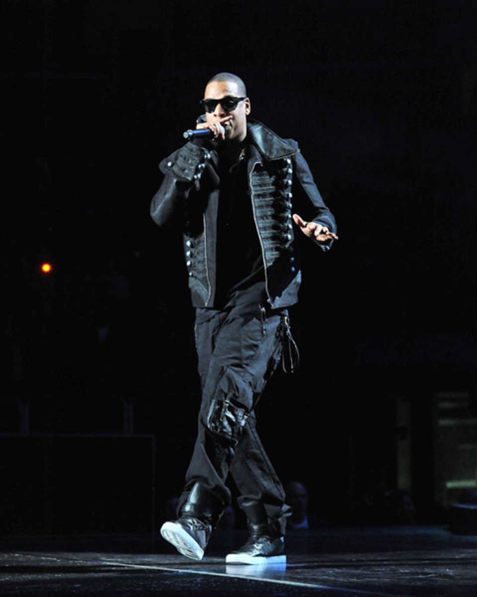 fresh-celeb-jay-z-radii-moon-walker-2