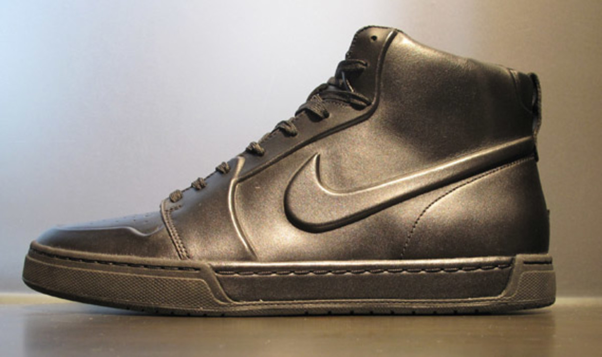 nike-air-royal-mid-vt-available-6