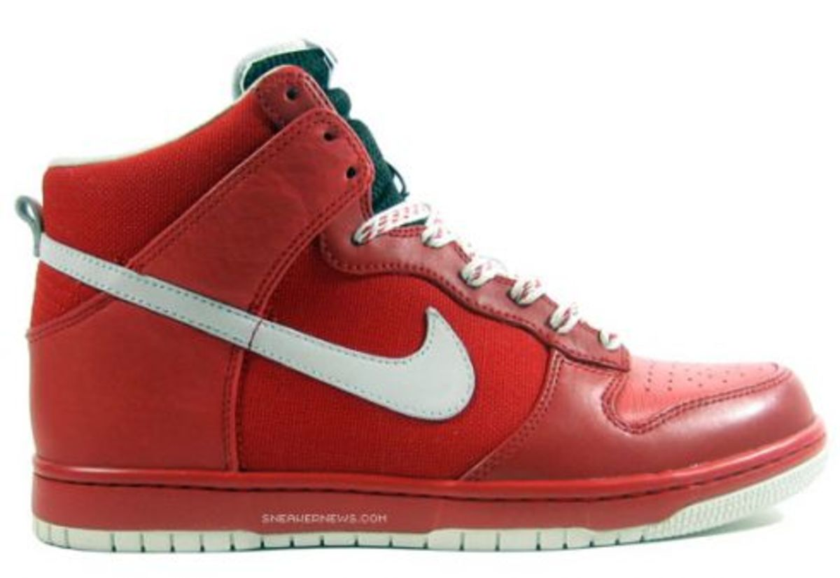 Nike Dunk High Be True in Solid Colors - 3