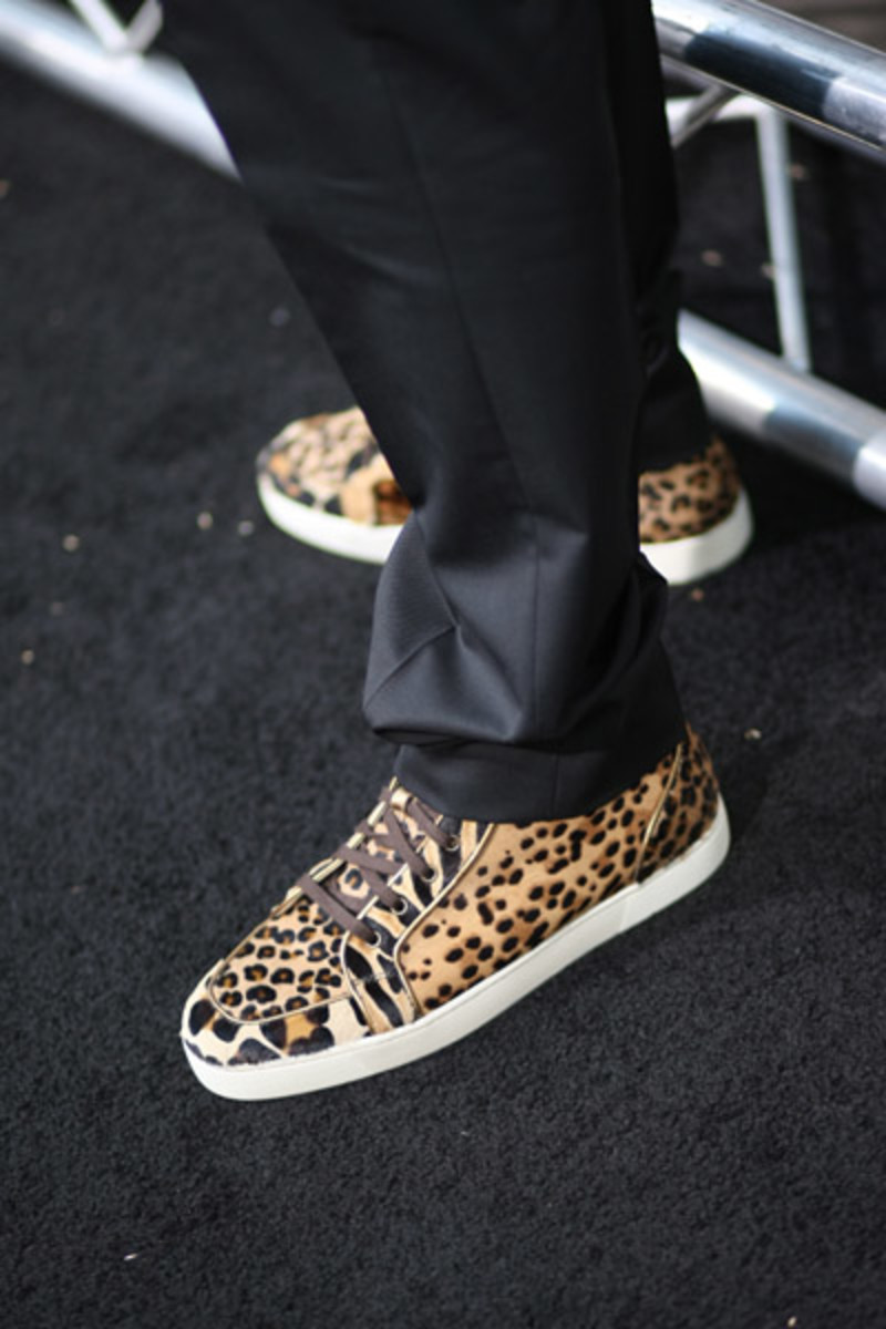 celebrity-feet-chris-brown-christian-louboutin-sneakers-2