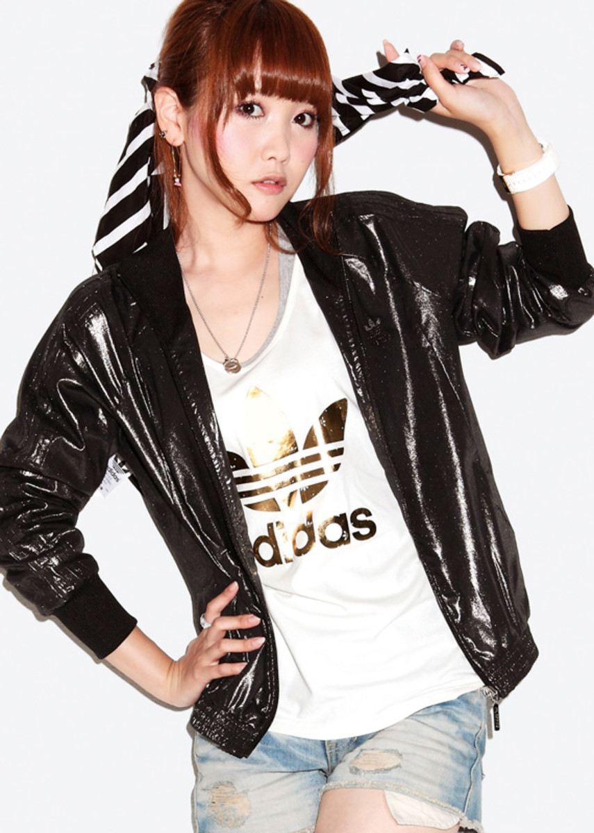 adidas-originals-japan-women-2010-lookbook-02