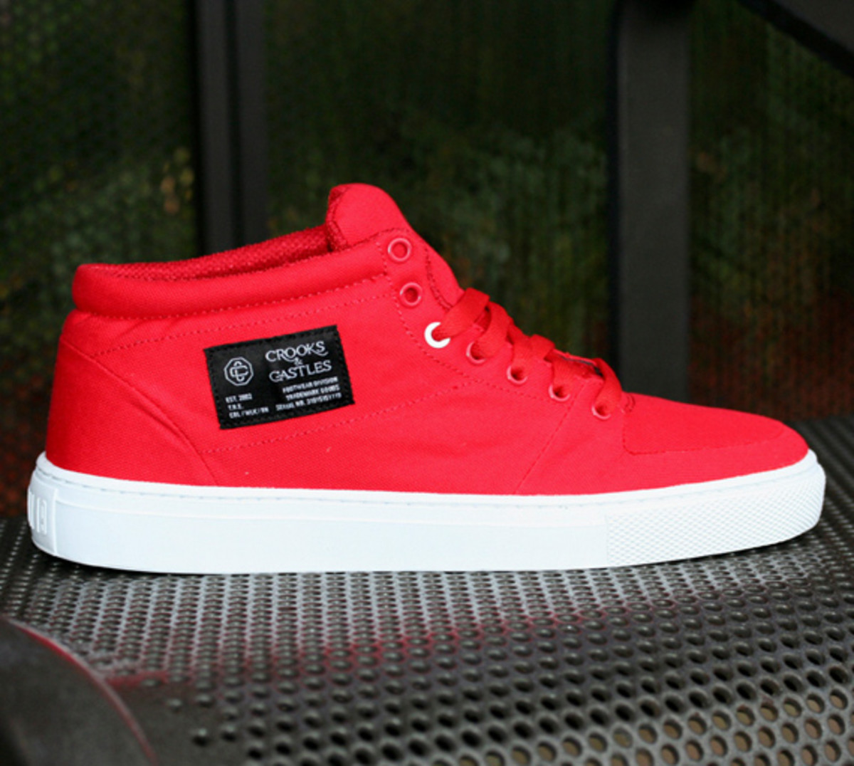 crooks-and-castles-holiday-2010-footwear-03