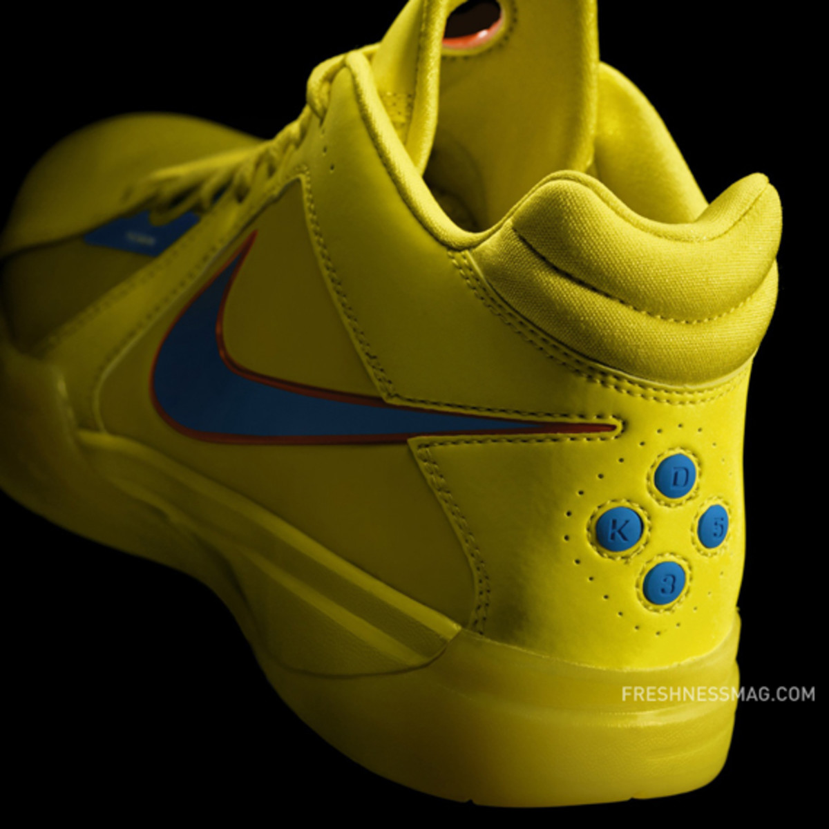 nike-basketball-christmas-day-2010-01b