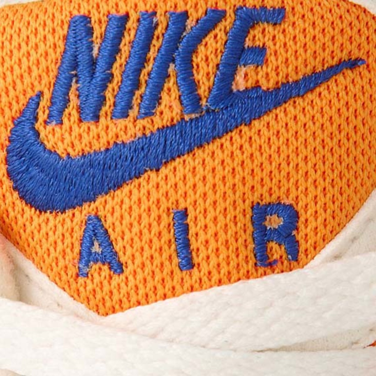 nike-air-pegasus-92-white-concord-orange-02