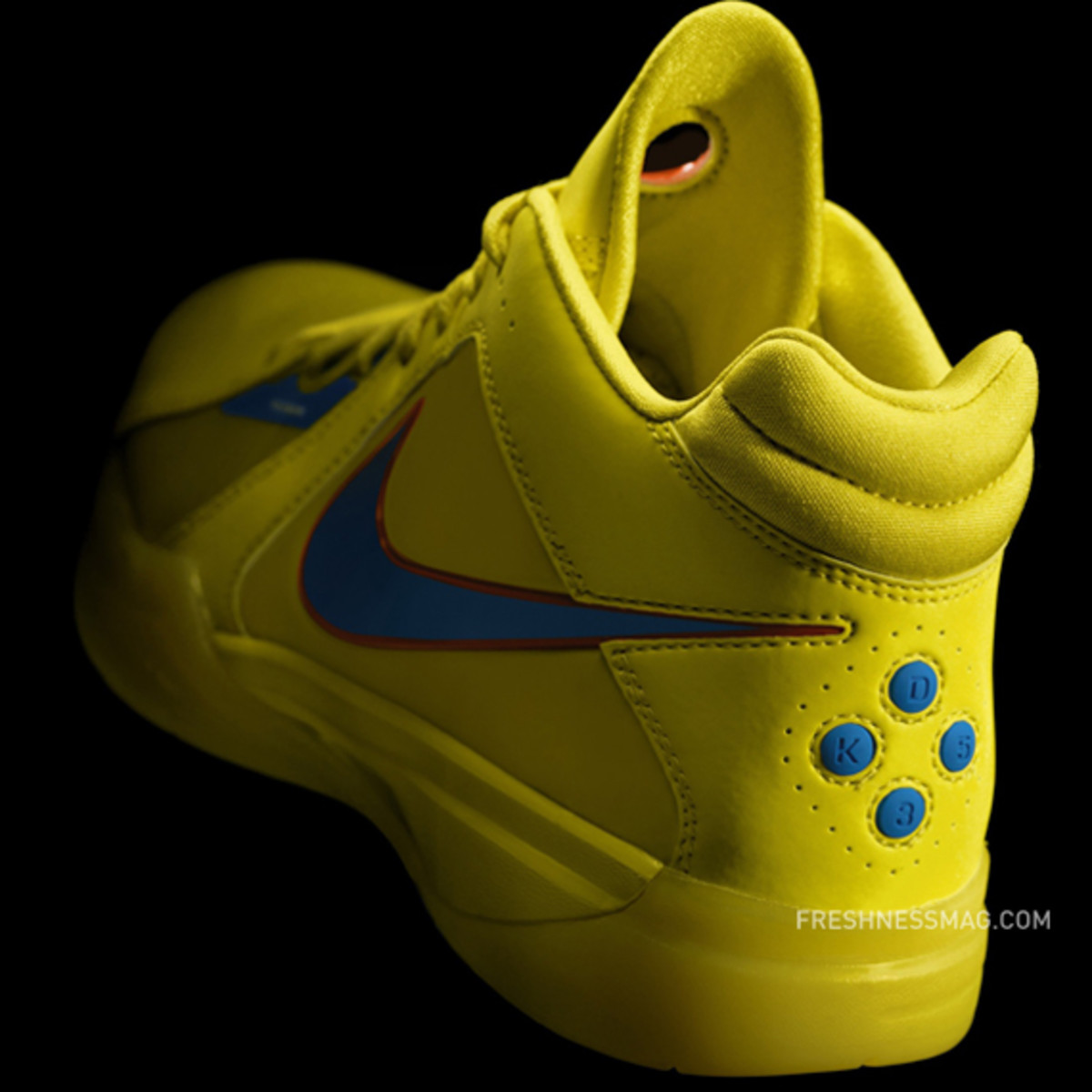 "Kevin Durant x Nike Zoom KD III – Christmas Day 2010 ""No Yield For ..."