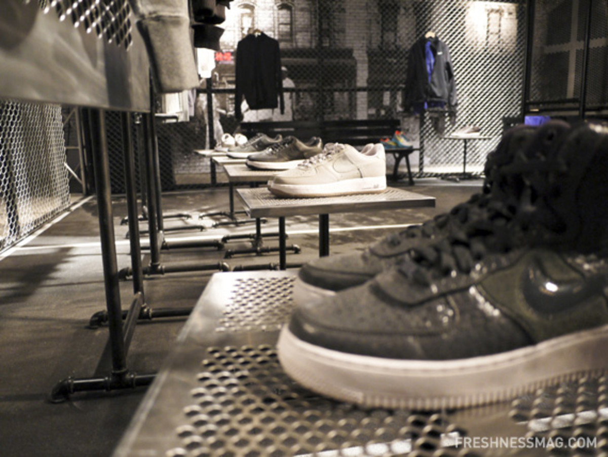 nike-sportswear-spring-2011-preview-china-media-summit-09