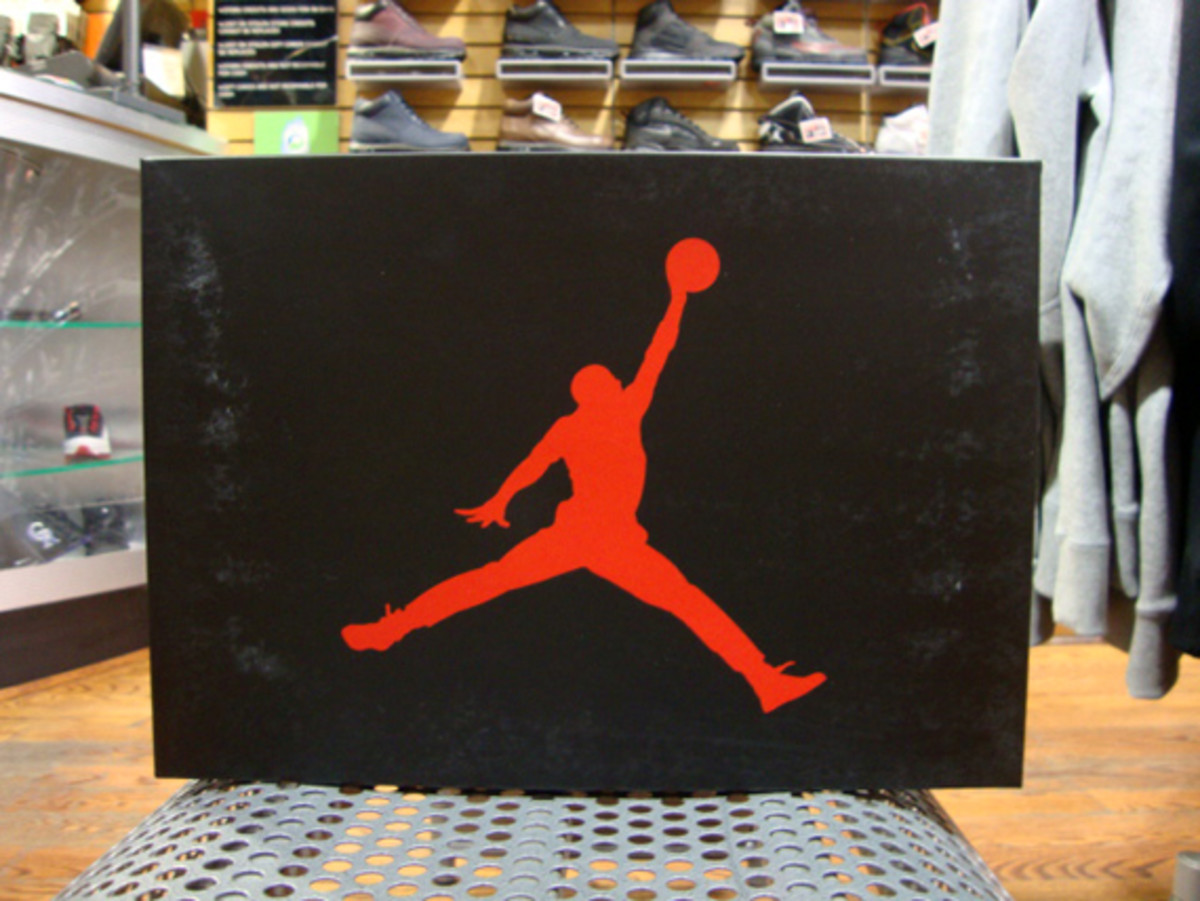 air-jordan-iii-3-white-fire-red-grey-cement-01