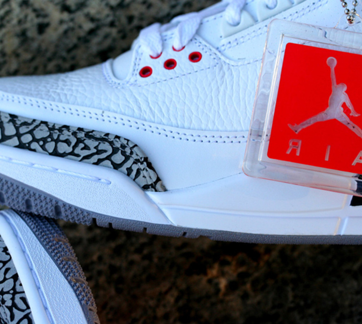 air-jordan-iii-3-white-cement-grey-06