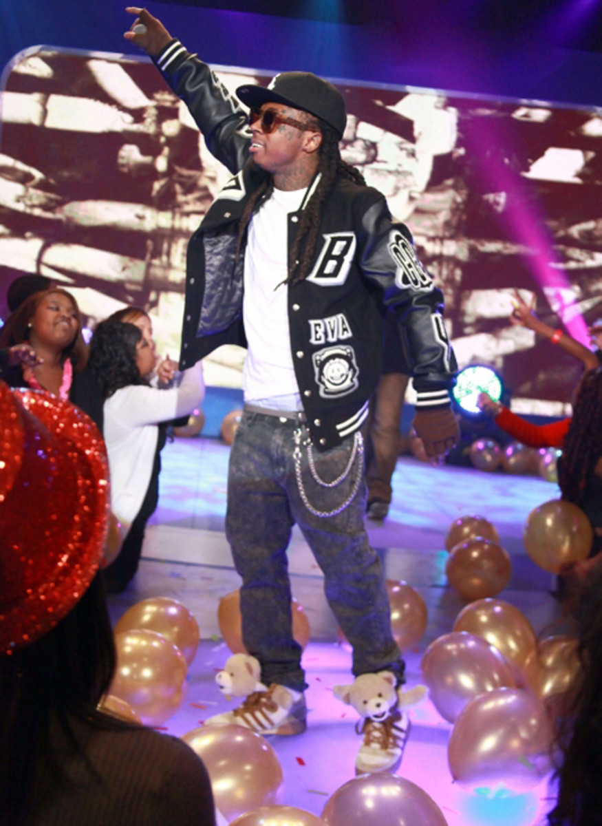 lil-wayne-bet-106-park-new-years-eve-01
