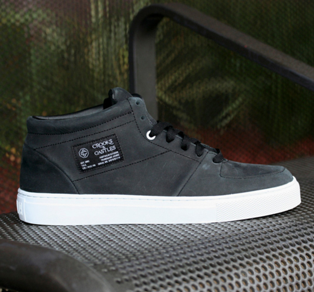 crooks-and-castles-holiday-2010-footwear-05