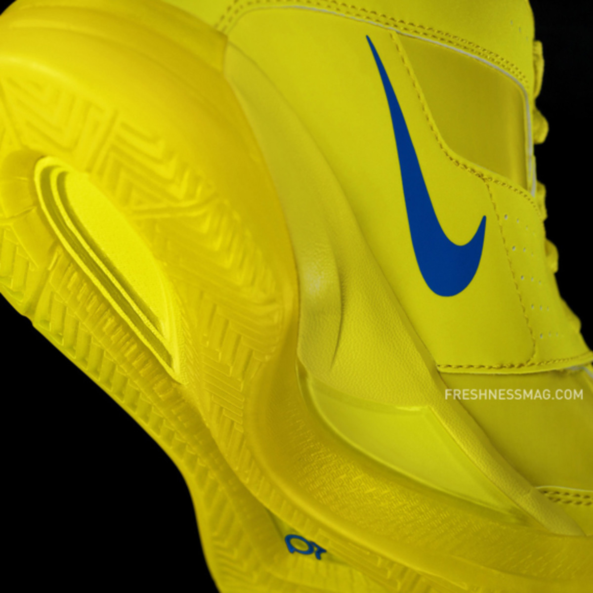 nike-basketball-christmas-day-2010-01a