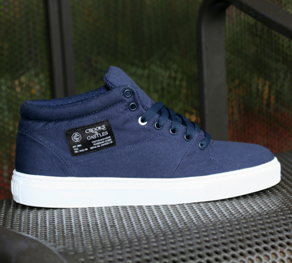 crooks-and-castles-holiday-2010-footwear-04