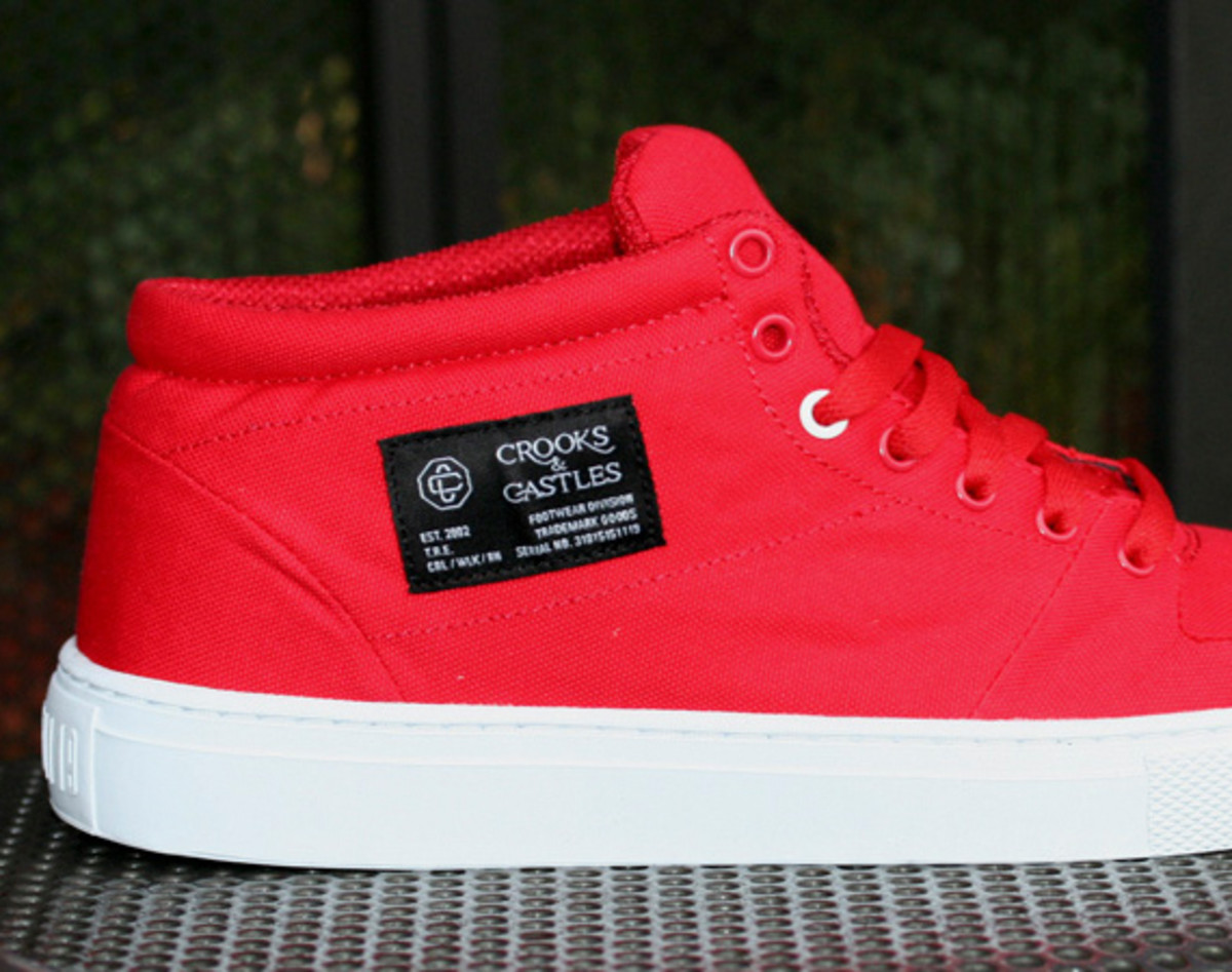 crooks-and-castles-holiday-2010-footwear-01