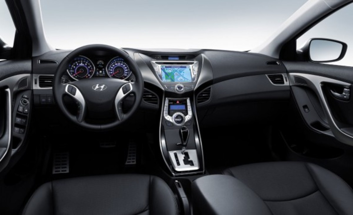 Ward's 10 Best Car Interiors 13
