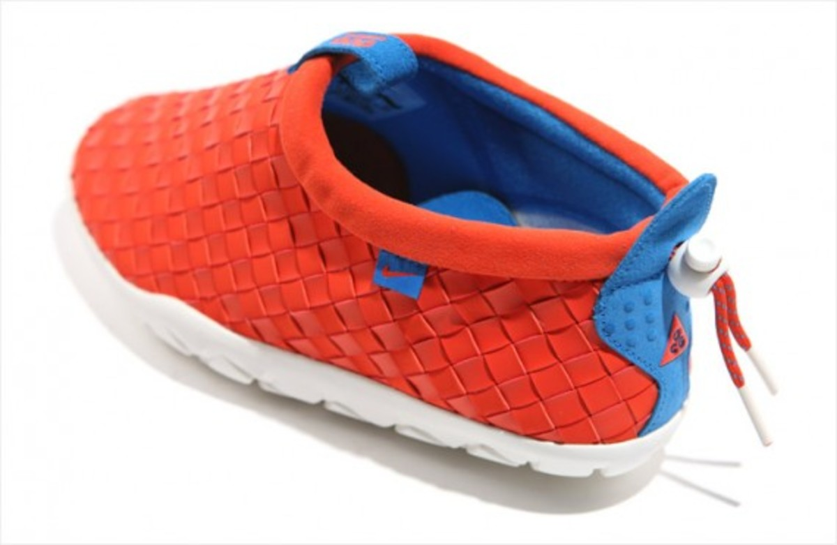 nike-acg-air-moc-lt-team-orange-02