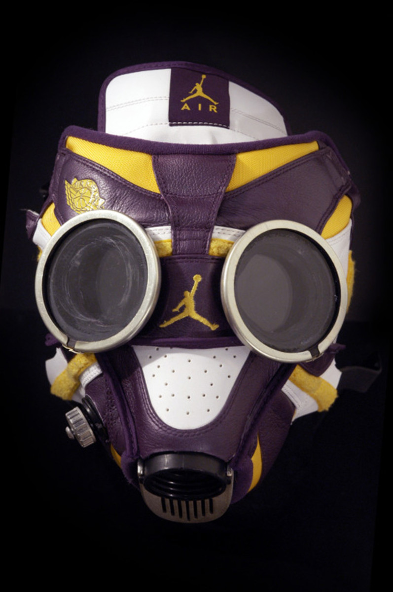 air-jordan-1-gas-mask-06