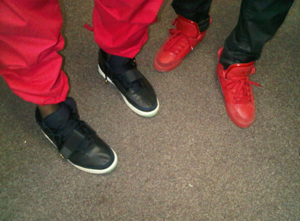 kanye-west-nike-air-yeezy-2-new-images-02