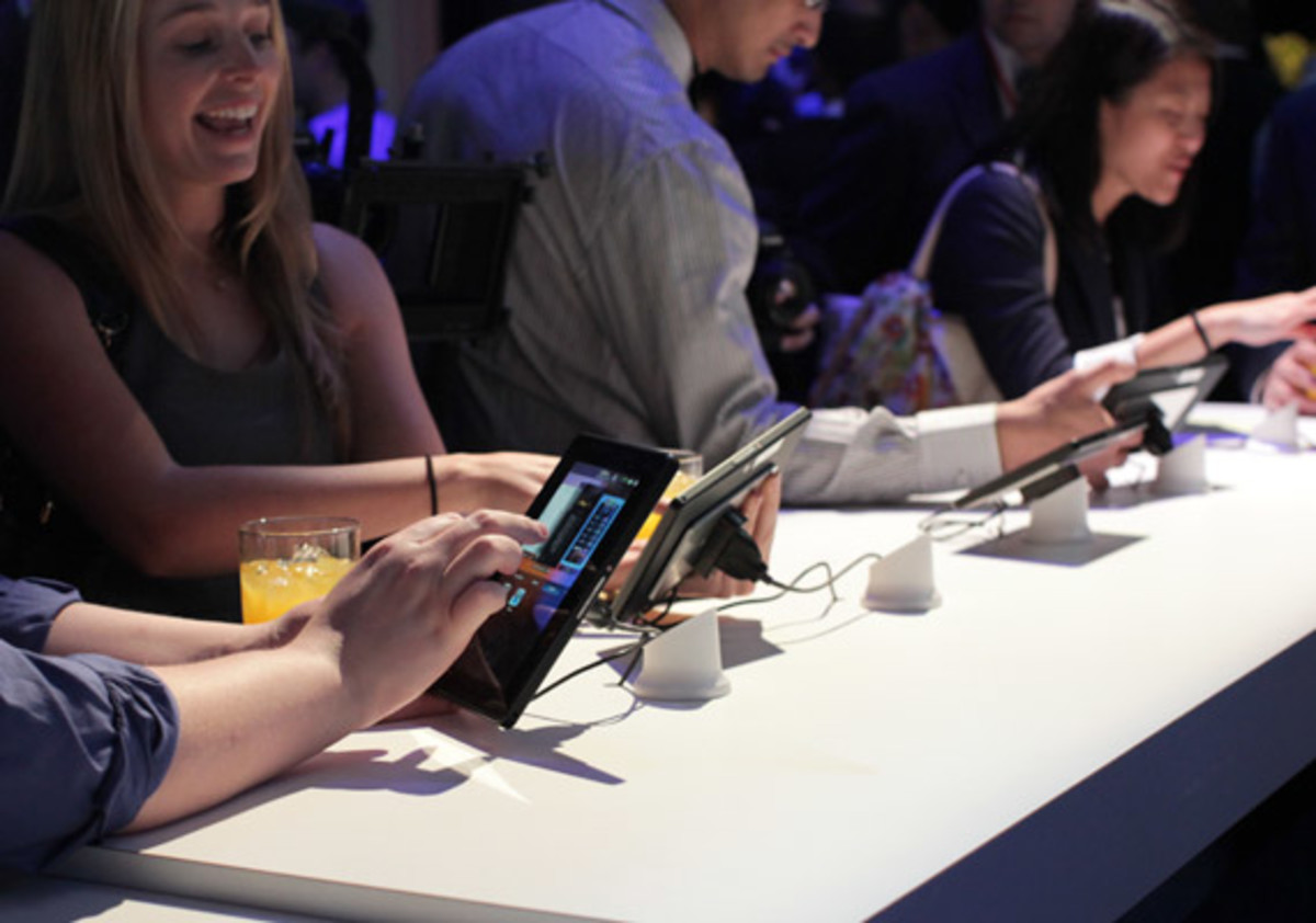 blackberry-playbook-launch-party-08