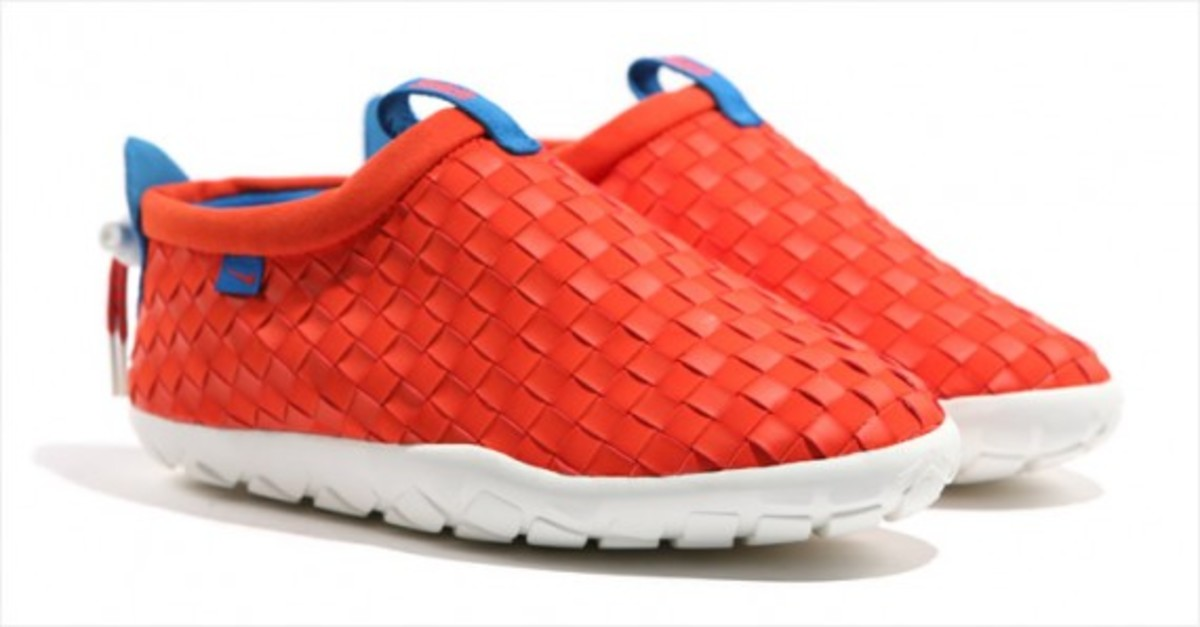 nike-acg-air-moc-lt-team-orange-08