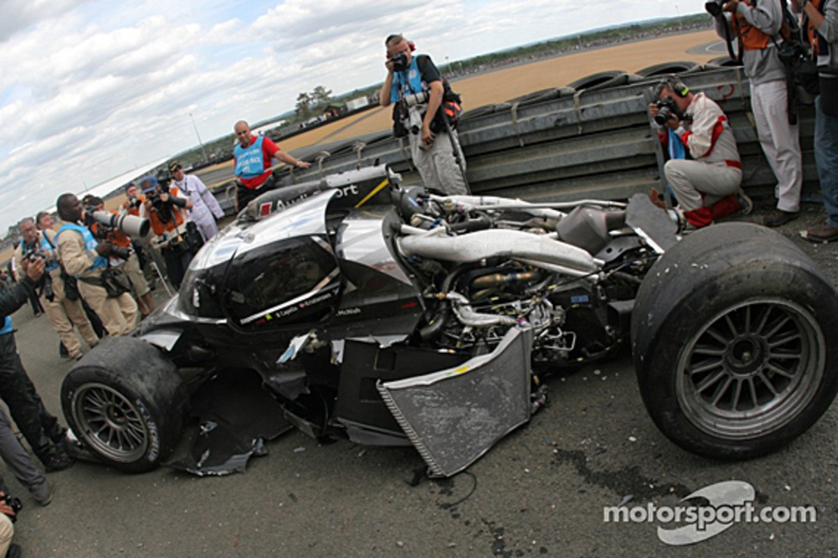audi-r18-mcnish-accident-13