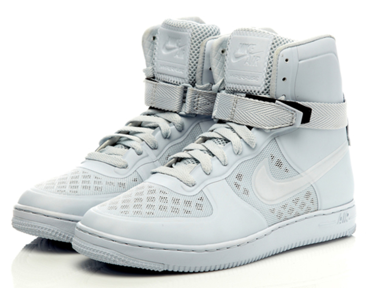 nike-sportswear-wmns-air-feather-hi-hyperfuse-premium01