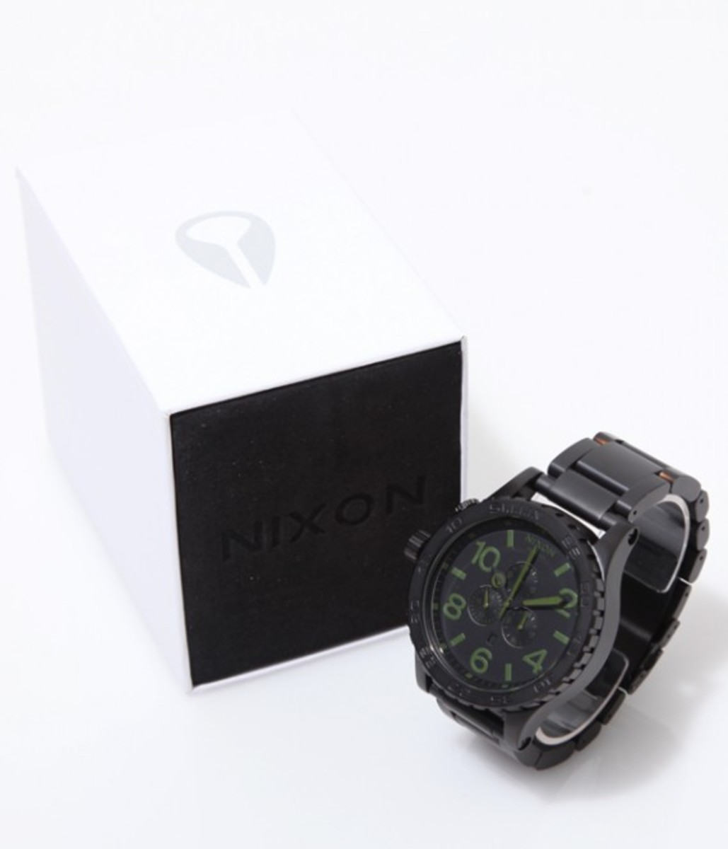 51-30-chrono-black-green-07