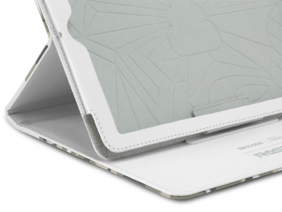 curated-by-incase-arkitip-rostarr-ipad-04