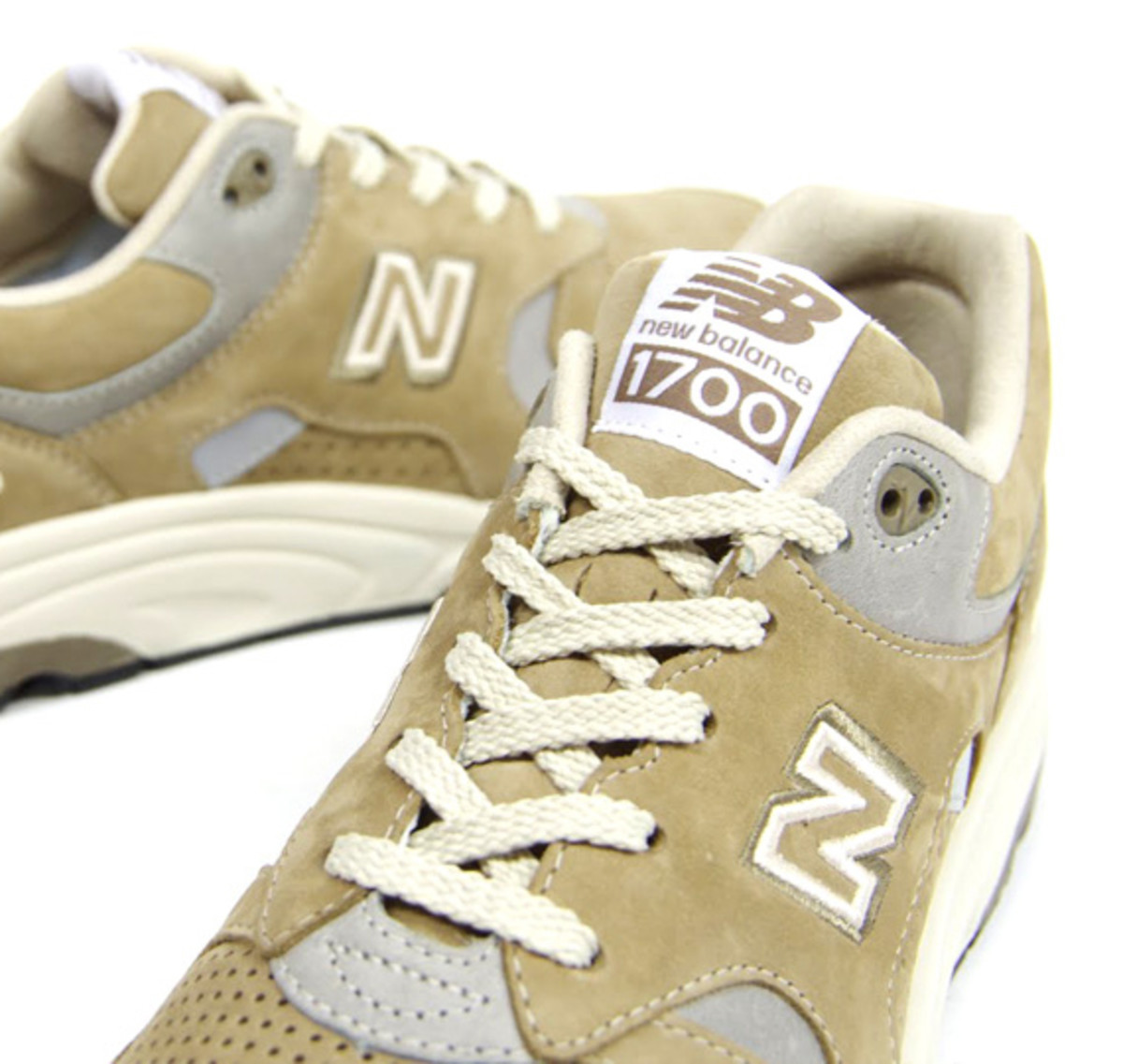 sports shoes 39af6 4ac65 New Balance launched the 1700 in 1999 and it s been loved by both serious  athletes and sneaker heads. Though in the past New Balance focused  predominantly ...