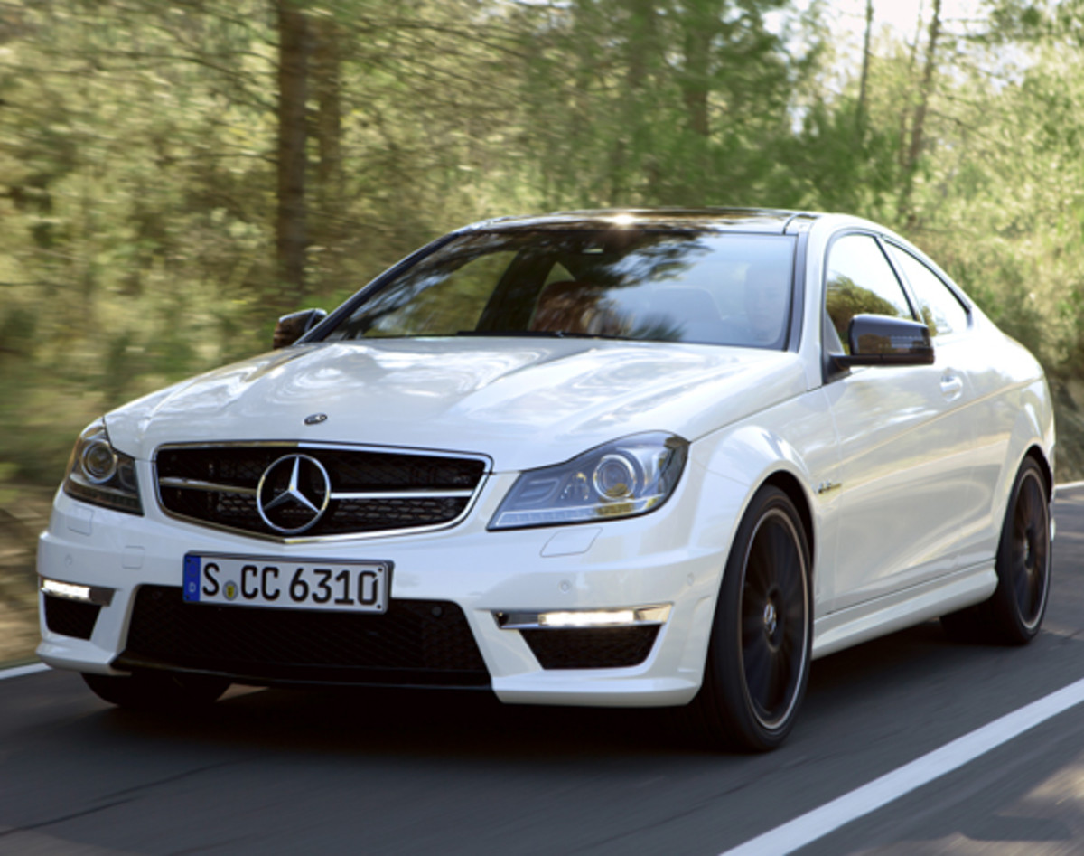 mercedes-benz-c63-amg-coupe-01