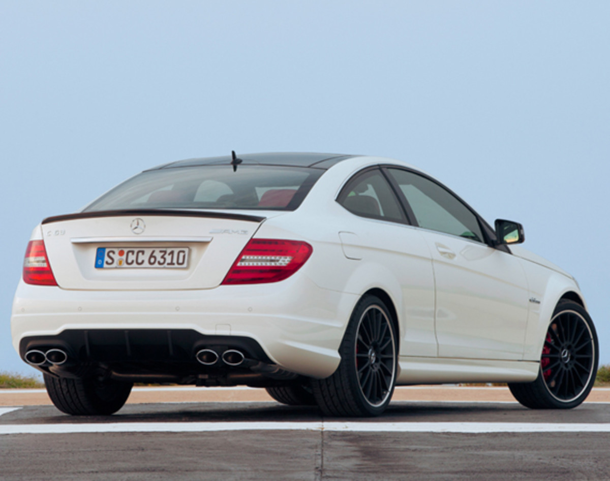 mercedes-benz-c63-amg-coupe-05