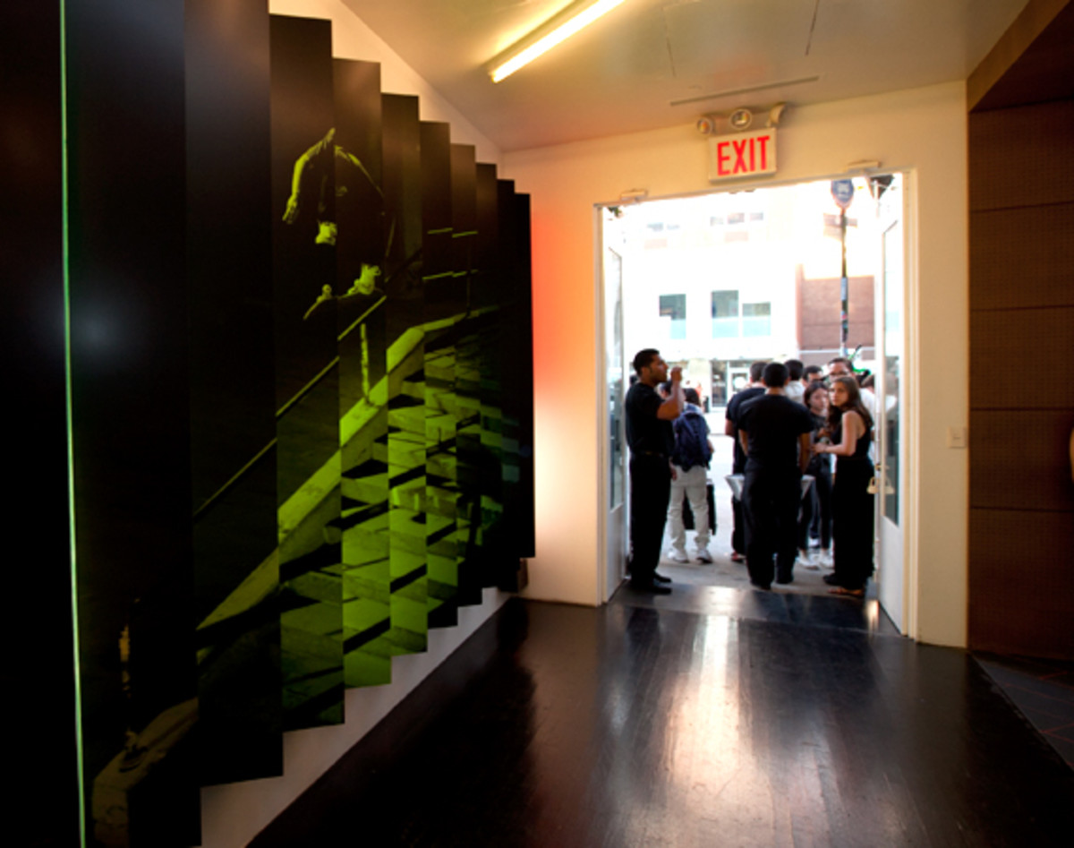 nike-stadium-NYC-reopens-the-wave-41