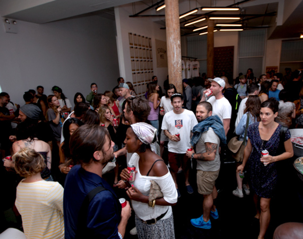 nike-stadium-NYC-reopens-the-wave-25