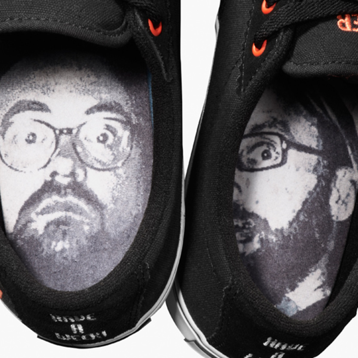 kevin-smith-etnies-smeakers-sdcc-2011-launch-13