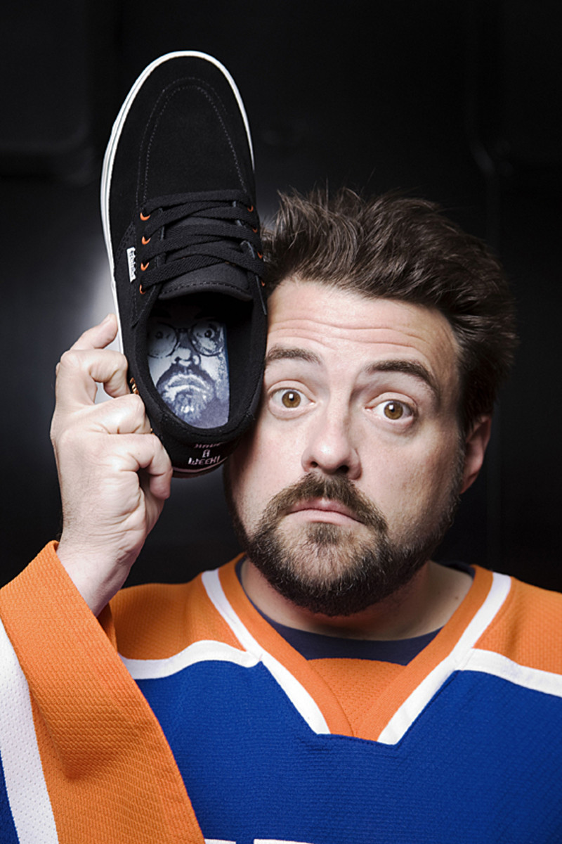 kevin-smith-etnies-smeakers-sdcc-2011-launch-02
