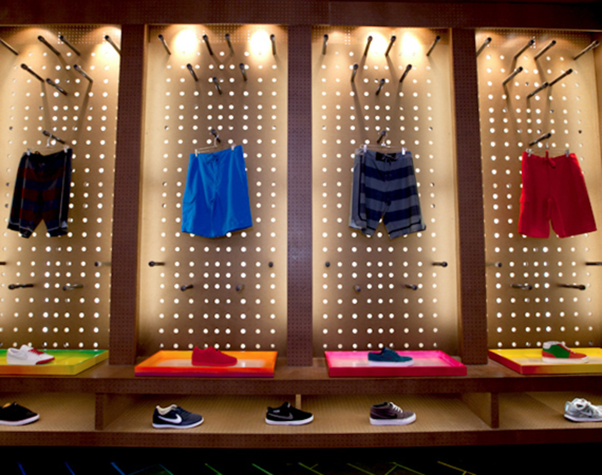 nike-stadium-NYC-reopens-the-wave-32