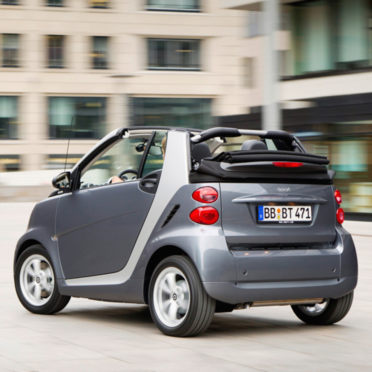 smart-fortwo-pearl-grey-limited-edition-04