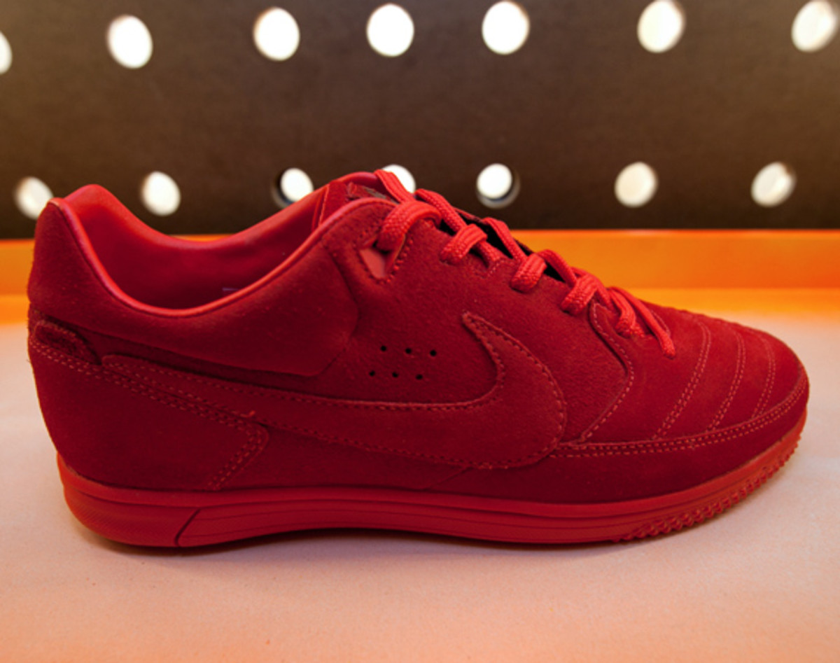nike-stadium-NYC-reopens-the-wave-33