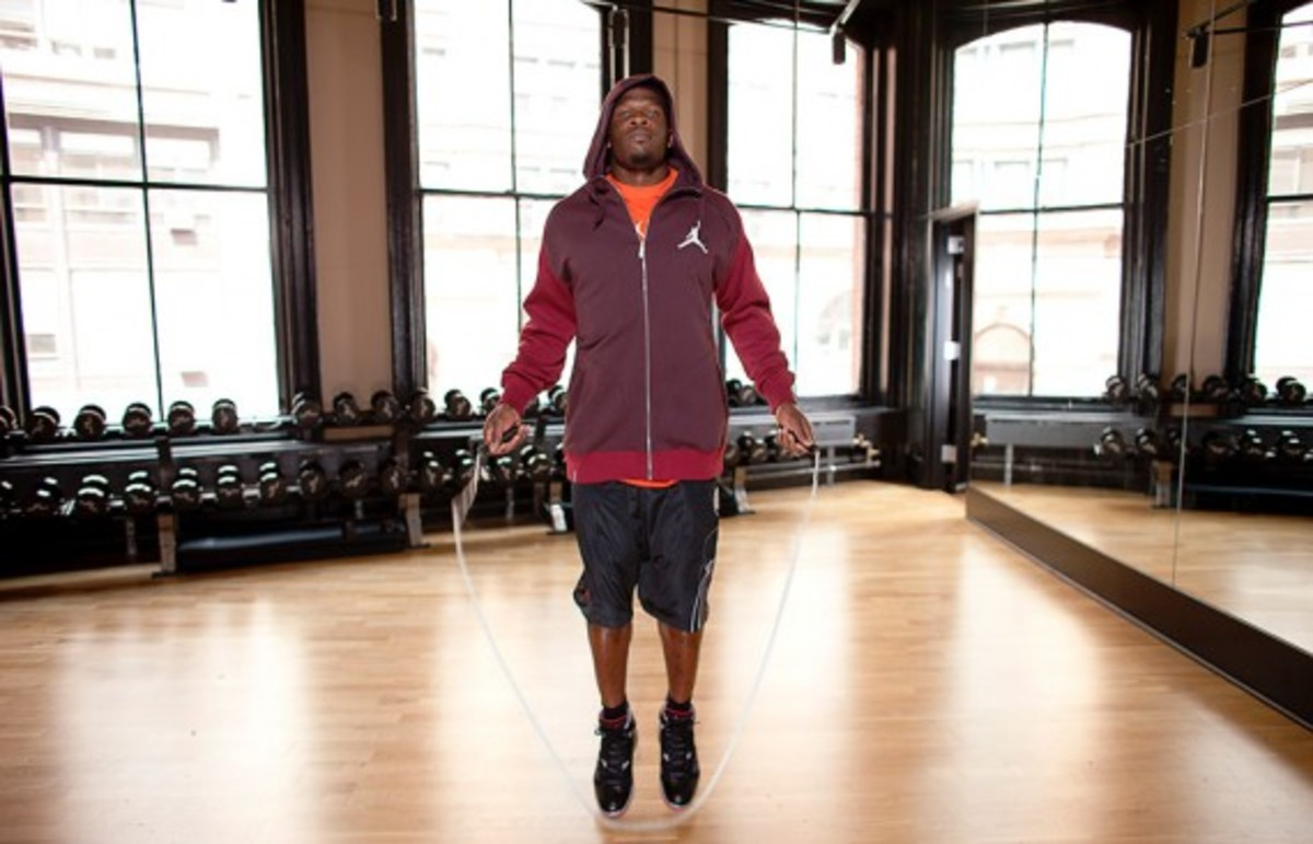 jordan-brand-fall-holiday-2011-lookbook-andre-johnson-05