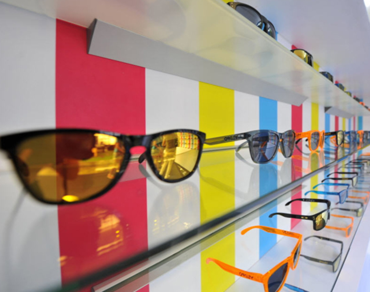 oakley-rewind-to-the-80s-event-shanghai-00