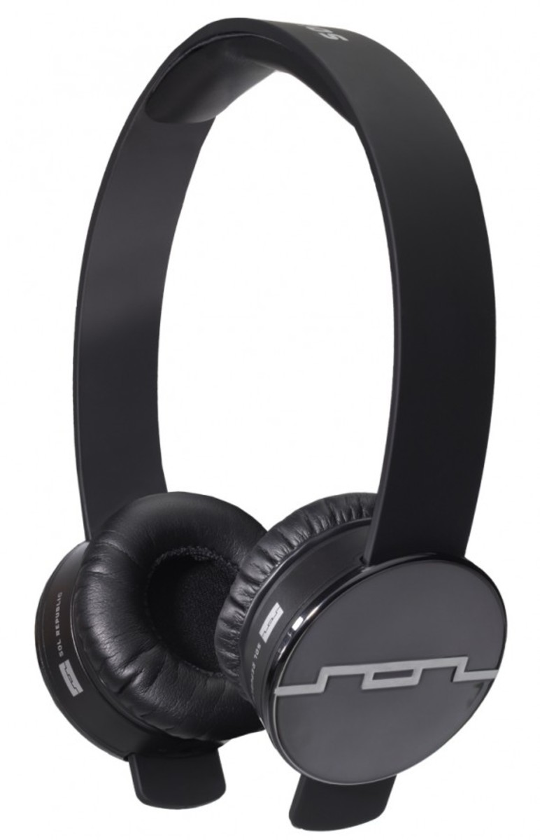 sol-republic-tracks-headphones-black-01