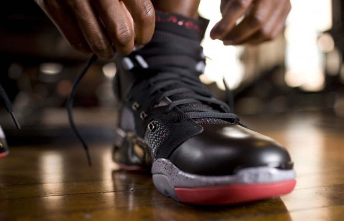 jordan-brand-fall-holiday-2011-lookbook-andre-johnson-06