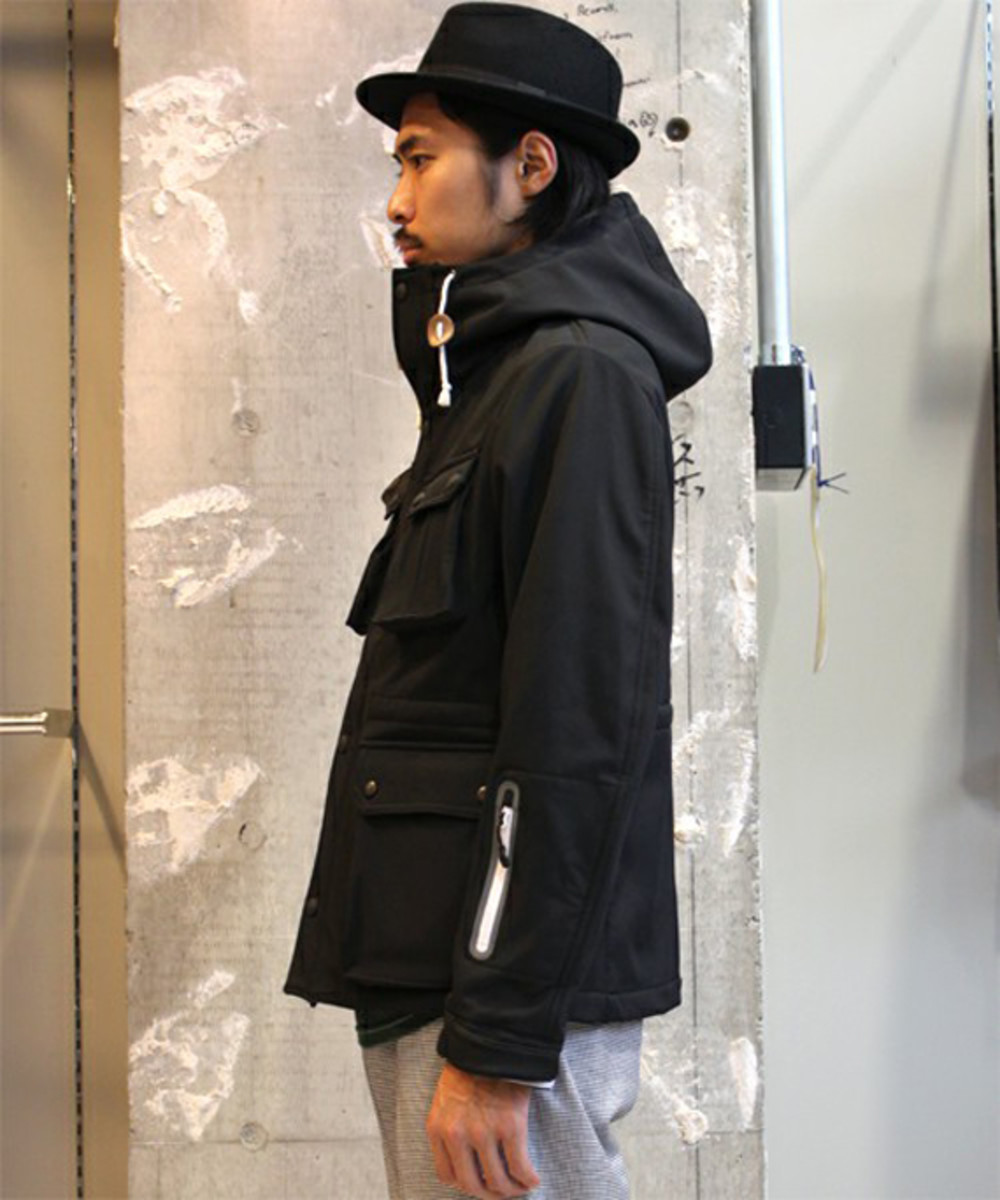 soft-shell-mountain-parka-03