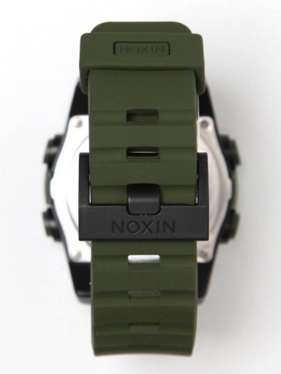 the-unit-a197-surplus-watch-04